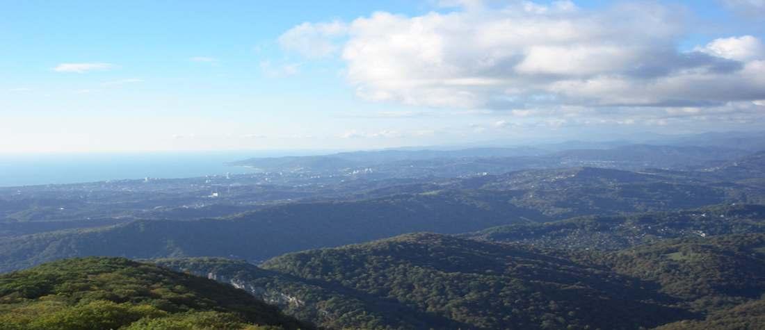 Вид на Адлер с горы Ахун